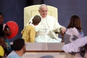 pope-francis-boy