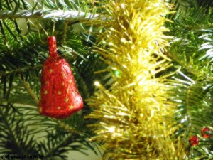 800px-Christmas_decorations
